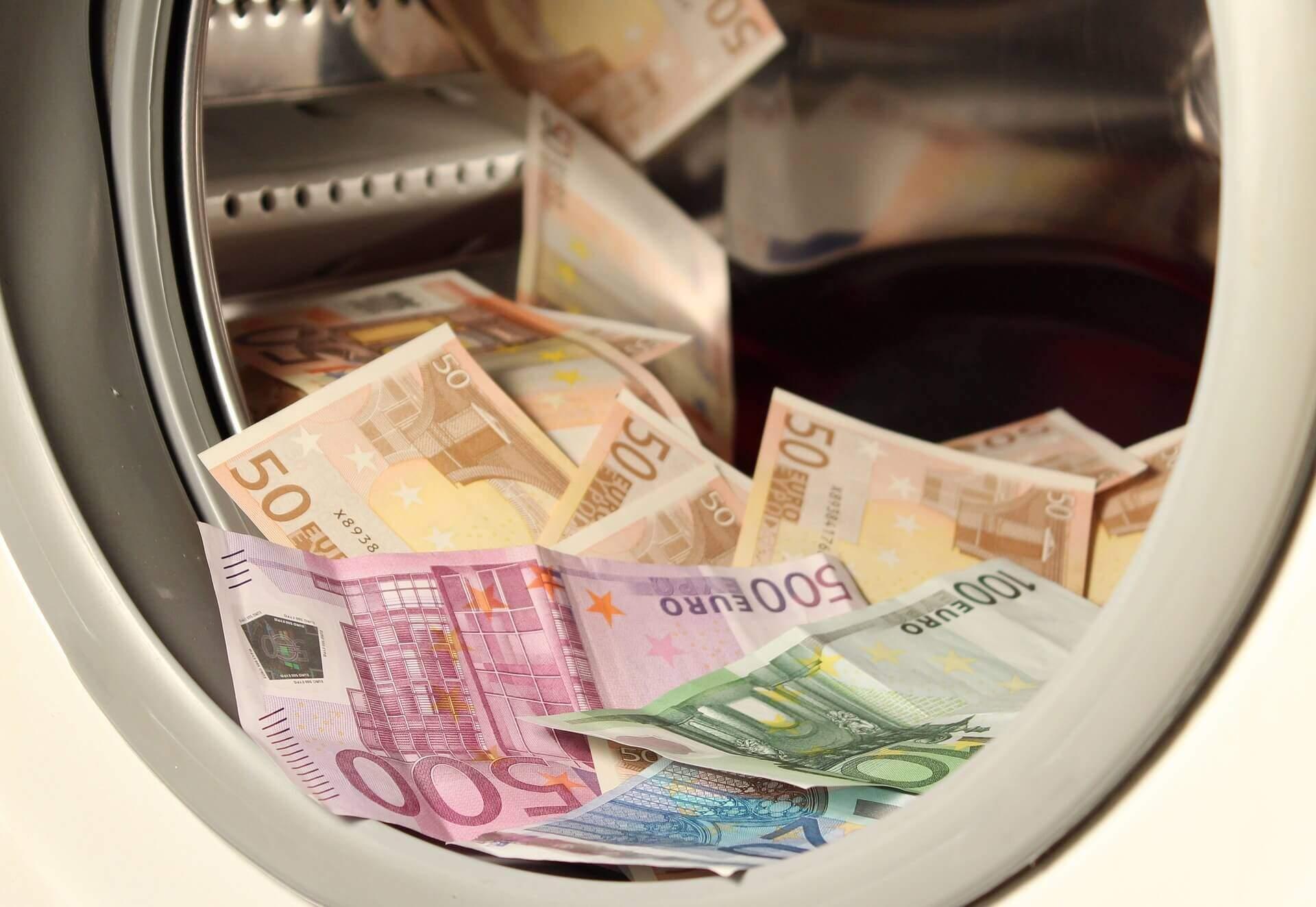 Imagem ilustrativa de lavagem de dinheiro, um dos alvos de investigação do COAF