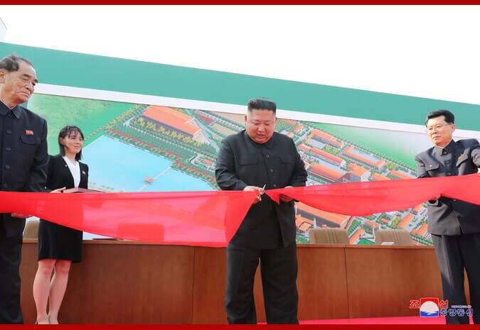 Kim em inauguração de fábrica na Coréia do Norte (KCNA/Via FotosPublicas)