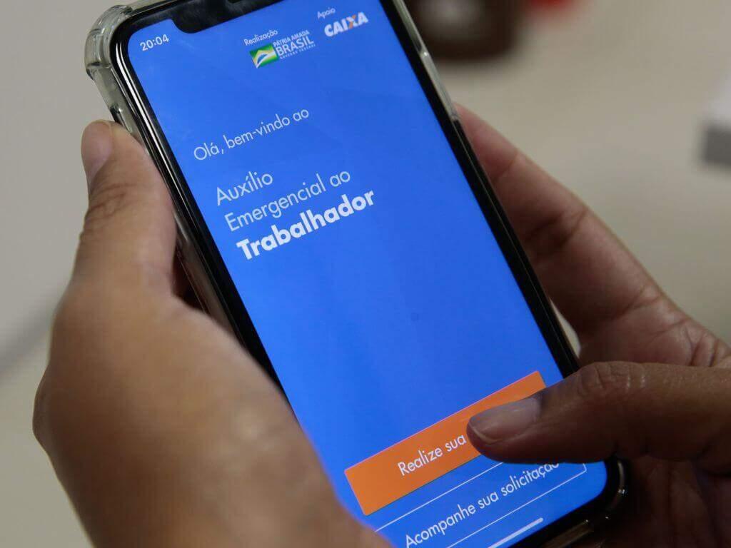 Aplicativo do Auxílio Emergencial (Marcelo Casal Jr/Agência Brasil)