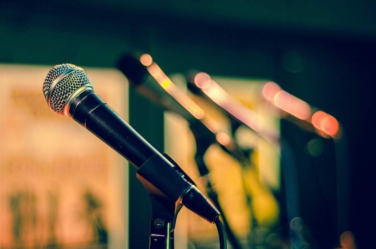Microfone. Imagem ilustrativa para imprensa. ( Foto Rudy e Peter Skitterians /Pixabay)