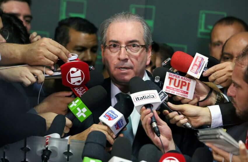 Na imagem, Eduardo Cunho em entrevista de imprensa. Conteúdo sobre centrão.