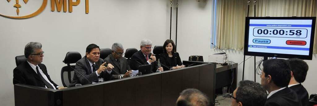 Debate entre candidatos a Procurador-Geral da República em 2015.