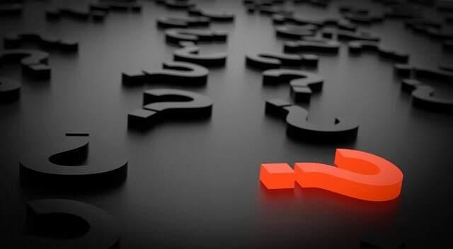 Pontos de interrogação sobre uma superfície sólida. Imagem ilustrativa, Foto: Pixabay.